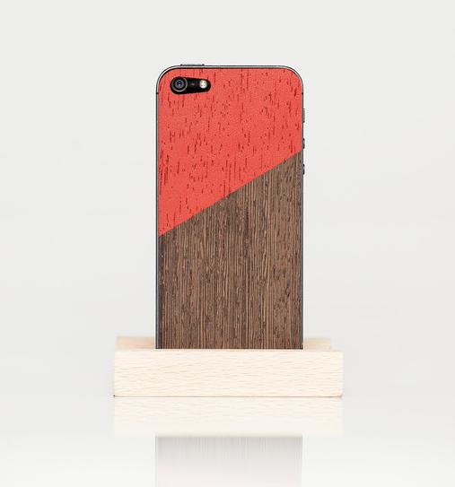 Funda de madera de Wood'd visto en Fab.